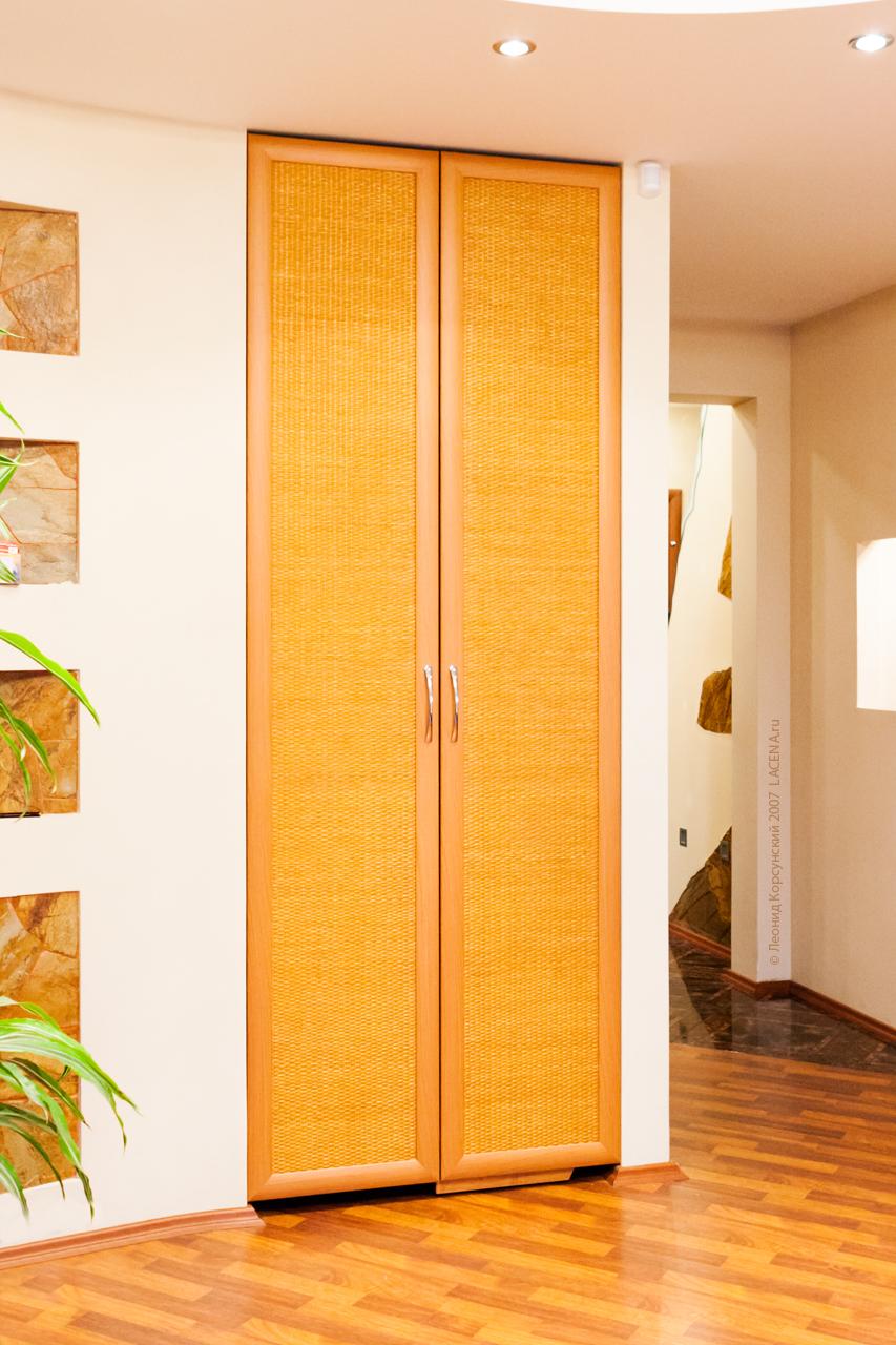 Распашные двери МДФ с Ротангом